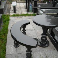 Стол и лавка из гранита СЛ-001