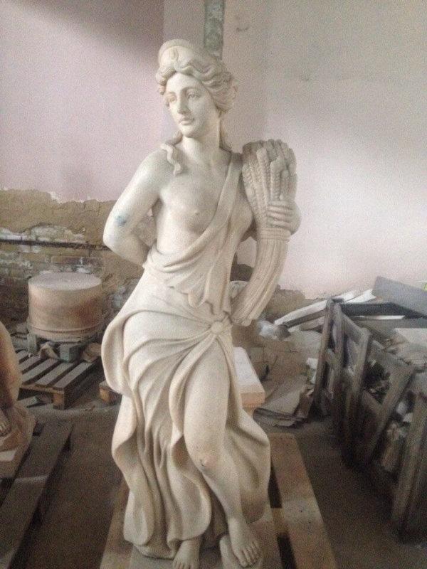 Мраморная богиня плодородия