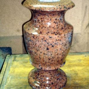 Гранитная ваза ГВ-002