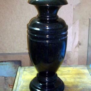 Гранитная ваза ГВ-004