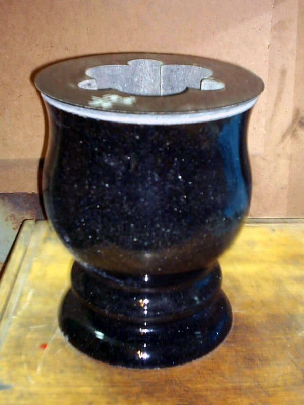 Гранитная ваза ГВ-005
