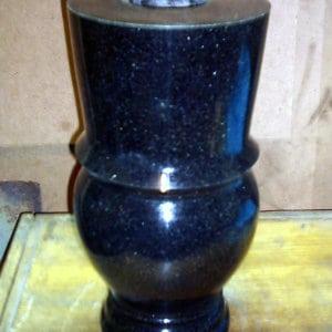 Гранитная ваза ГВ-006