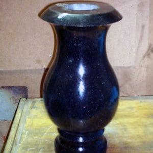 Гранитная ваза ГВ-007