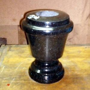 Гранитная ваза ГВ-009