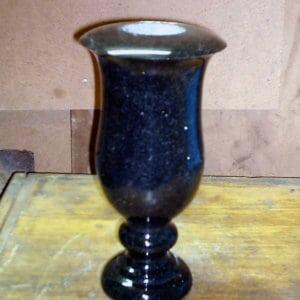 Гранитная ваза ГВ-010